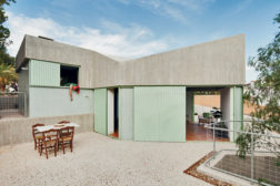 The Casa Baladrar in Alicante is for the families of three brothers