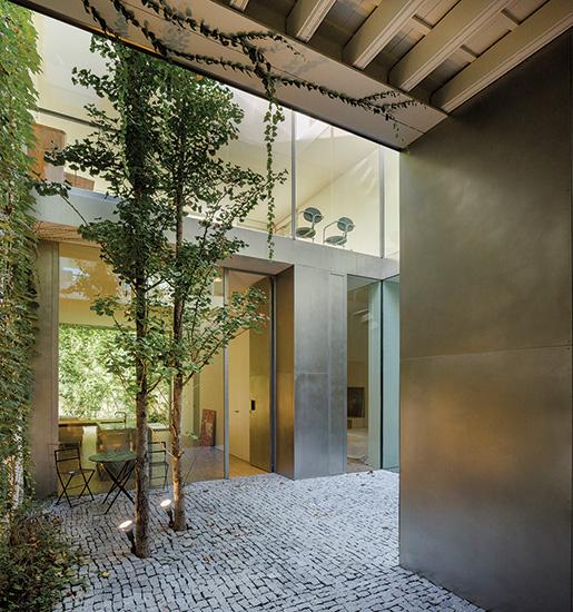 Seville house 2016 04 01 architectural record - Garden center sevilla ...