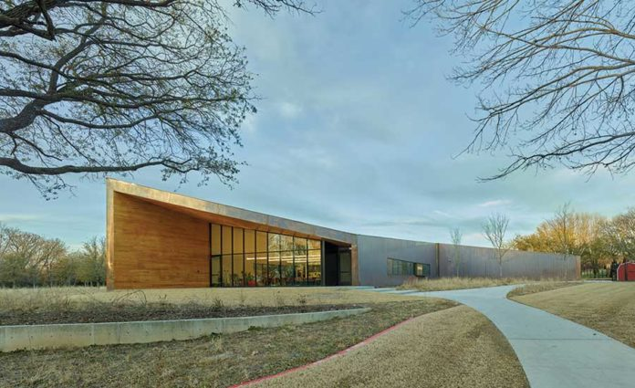 Lamplighter School Innovation Lab and Barn by Marlon Blackwell Architects
