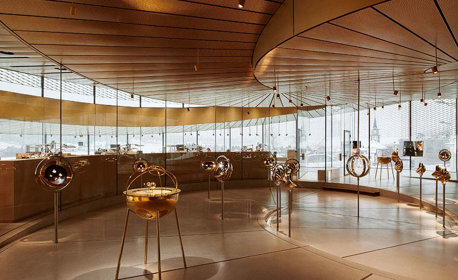 Musée Atelier Audemars Piguet glass-and-brass museum display cases.