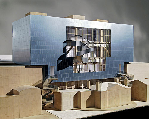 Gehry Designs First Big Project for Toronto