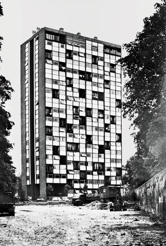 Originally, the 17-story Bois-le-Pr'tre was clad in a lively combination of aluminum and glass.