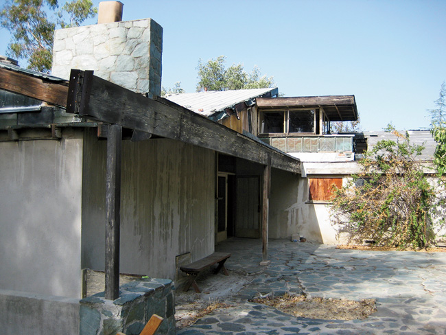 Rudolph Schindler's long-neglected 1940 Van Dekker House in Woodland Hills, California, is making an unexpected comeback. Frank Gamwell, who has worked in construction management for decades, bo