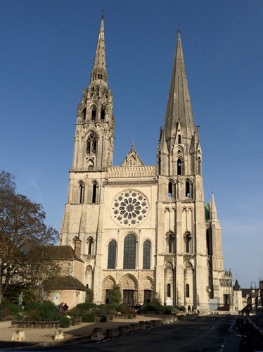 Chartres Cathedral's west front is well known for its two spires, reflecting very different styles of early- and late-Gothic architecture.
