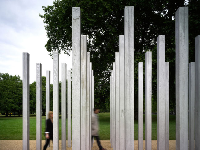 Built to honor the 52 people killed during the 2005 terrorist bombings in London's subways and buses, this memorial organizes 52 cast stainless-steel pillars in four clusters, one for each of the bomb