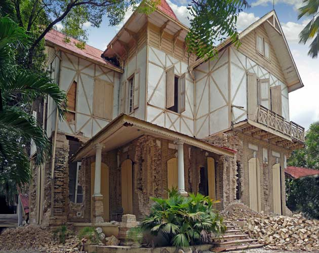 Haiti's famous gingerbread houses endured the January 2010 earthquake relatively well. While they did suffer some damage, researchers estimate that only 5 percent of these historic dwellings partially