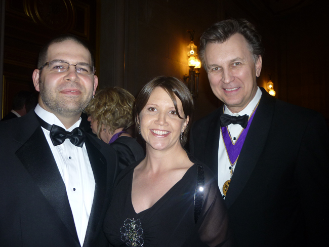 Christopher Kelley of Gensler with Suzanna Kelley and American Institute of Architects president Jeff Potter.