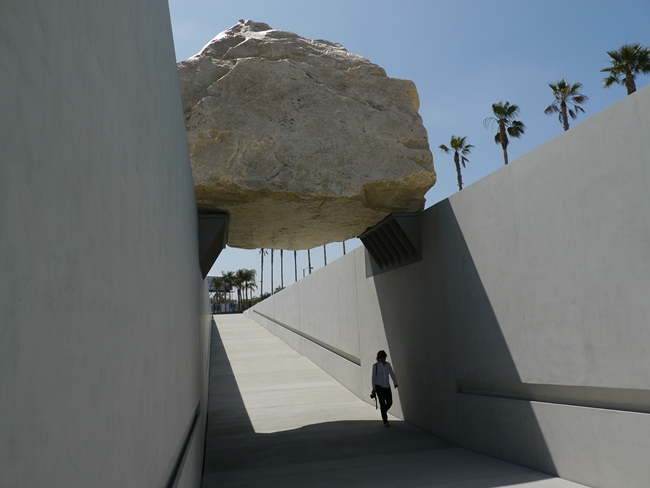 <p>Michael Heizer, <em>Levitated Mass</em>, 2012</p><p>Los Angeles County Museum of Art</p>