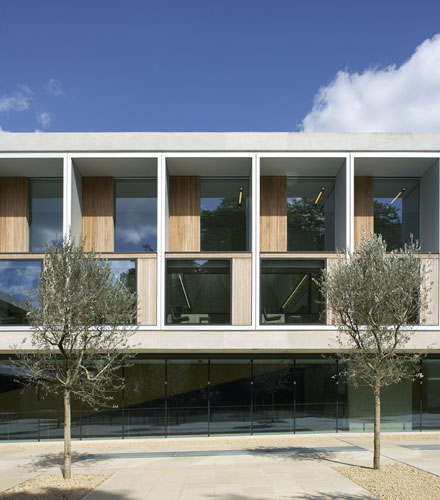 <strong>Sainsbury Laboratory</strong><br /> Cambridge<br /> &#160;<br /> Architect: Stanton Williams<br /> Client: University of Cambridge<br /> Structural engineer: Adams Kara Taylor<br /> Services e