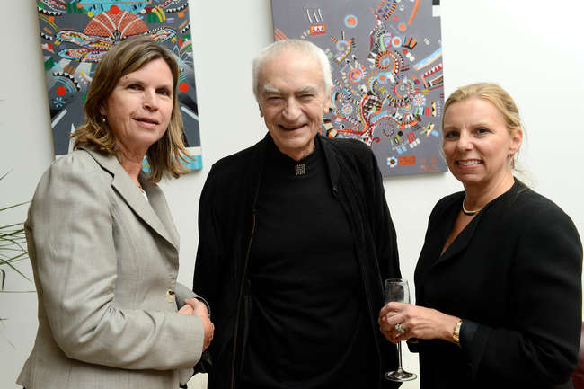 <em>Architectural Record</em> editor in chief Cathleen McGuigan, Massimo Vignelli (who designed the magazine's logo and branding), and <em>Record </em>publisher Laura Viscusi.