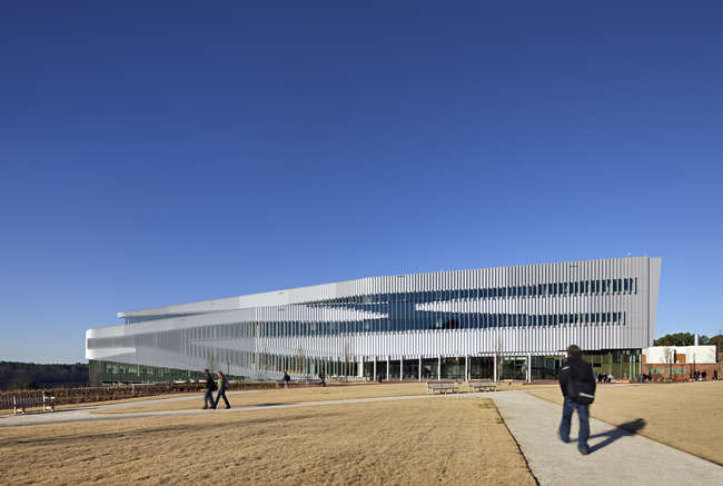 Oslo- and New York City-based firm Snøhetta recently completed the James B. Hunt Jr. Library on North Carolina State University's Raleigh campus. The long rectangular volume provides 221,000 squa