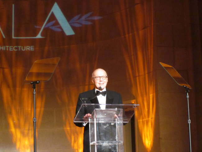 Gerald Hines accepts the Good Design is Good Business Lifetime Achivement award for architectural patronage.