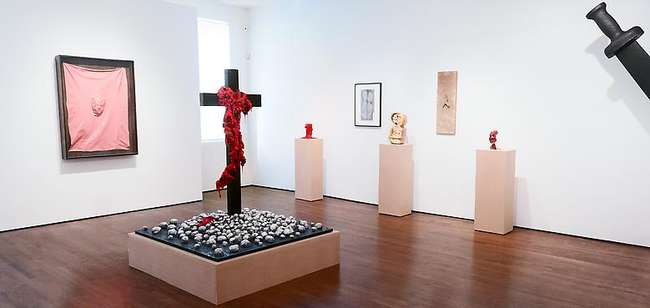 Installation view of <em>Gaetano Pesce: L'Abbraccio</em> at Fred Torres Collaborations.<br />