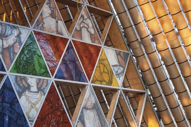 معماری با مقوا ، ساختمان مقوایی و امن