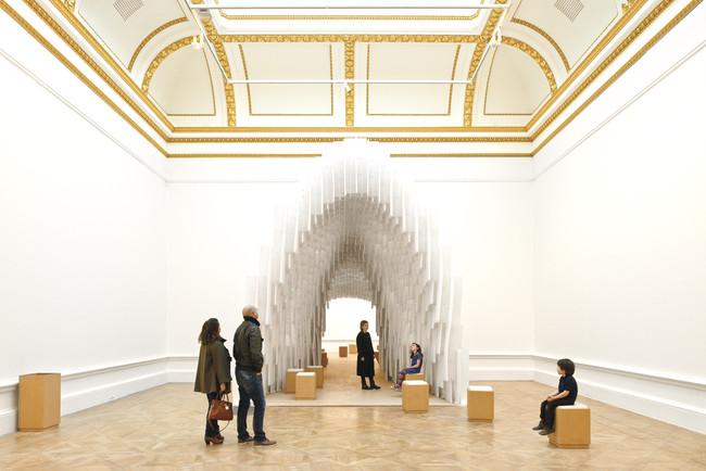 Francis Kéré's designed a polypropylene archway into which visitors are encouraged to push plastic straws.