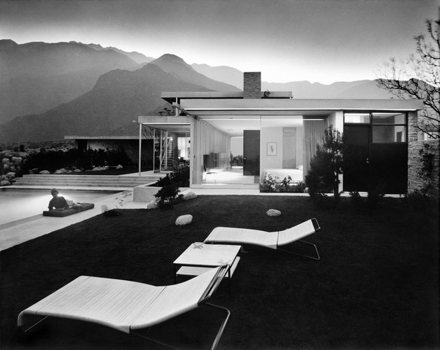 Julius Shulman, Kaufmann House designed by Richard Neutra (Palm Springs, CA), 1947.