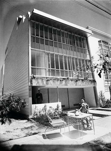 Julius Shulman, Schiff Apartment Duplex designed by Richard Neutra (San Francisco, California).