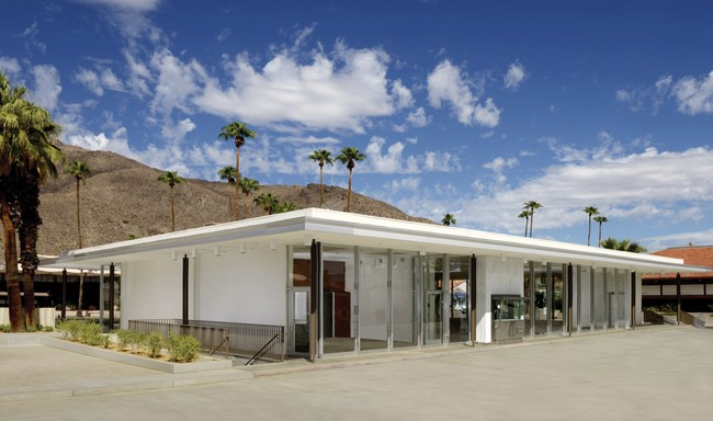 Marmol Radziner has restored and adapted E. Stewart Williams' 1961 Santa  Fe Federal Savings & Loan building for its use as a museum.<div id='_mcePaste'>&#65279;&#65279;