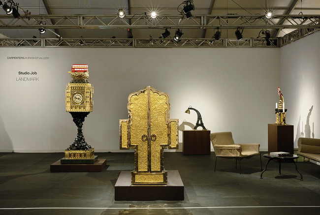 The Carpenters Workshop Gallery booth at the fair displayed Studio Job's furniture in the shape of monuments.