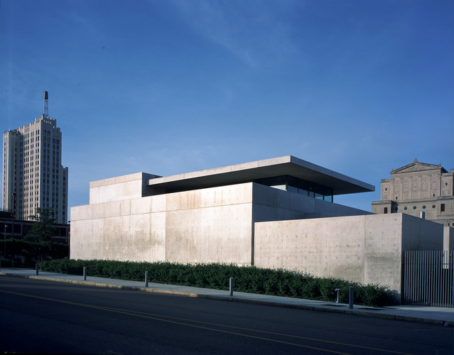 Tadao Ando has just added 3,700 square feet of new gallery space to his Pulitzer Arts Foundation in St. Louis, which first opened in 2001. The exterior of the introverted reinforced-concrete structure