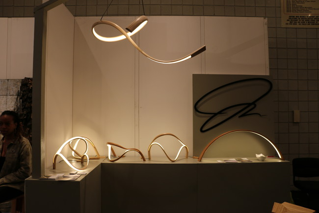 &#160;Sculptor and woodworker John Procario creates sculptural LED lamps out of bent wood.<div id='_mcePaste'>&#65279;&#65279;