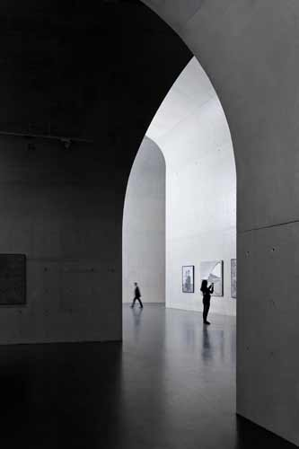 <strong>Runner-Up:</strong> Interiors<br /><strong>Photographer: </strong>Su Shengliang<br /><strong>Building:</strong> Long Museum West Bund, Shanghai<br /><strong>Architect:</strong> Atelier Deshaus