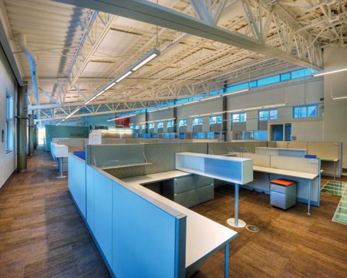 All work spaces are designed to receive adequate daylight, based on LEED criteria, by utilizing the narrow floor plate and an advanced light-bouncing device on the south face of the building.