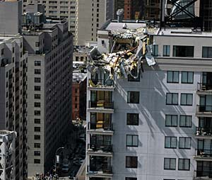 crane collapsed at a Manhattan construction site
