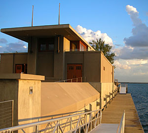 the West Side Rowing Club constructed a boathouse that Wright designed in 1905.