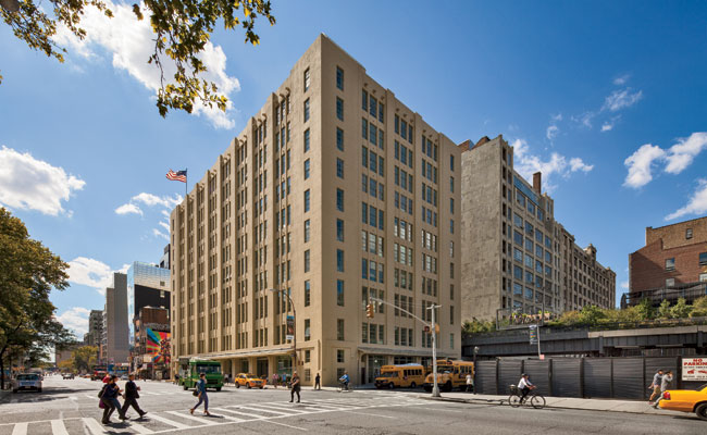 The new school occupies a 1928 Cass Gilbert warehouse'the first to receive deliveries from High Line trains.