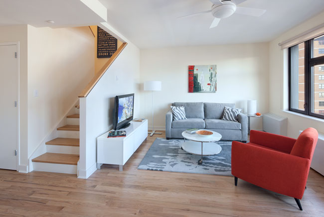 Via Verde offers cooperative and rental units for New Yorkers in low- to middle-income brackets and includes simplex and duplex configurations. About 90 percent of the apartments have dual access. Tri