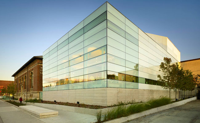 Bloor/Gladstone Branch Library