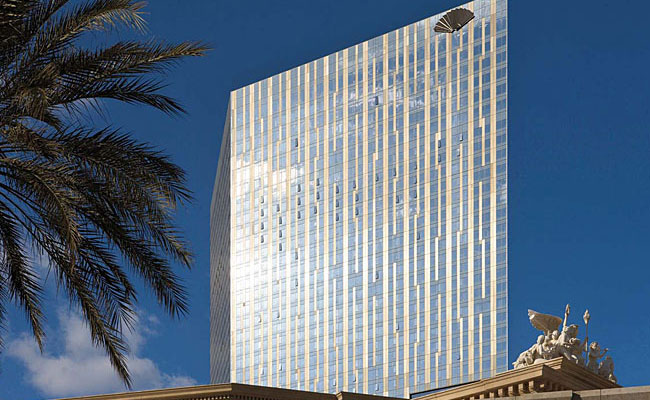 High-performance-glass and anodized-aluminum panels clad CityCenter's Kohn Pedersen Fox'designed Mandarin Oriental Hotel. The skin, in combination with a boomerang-shaped plan, make the building's cor