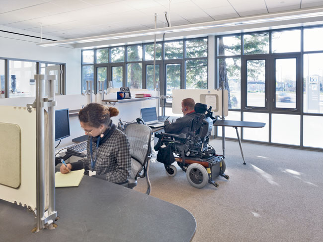 While some tenant spaces feature adjustable work surfaces, others have standard workstations. Plenty of daylight, operable windows in most areas, automatic doors with long-range card readers, and full