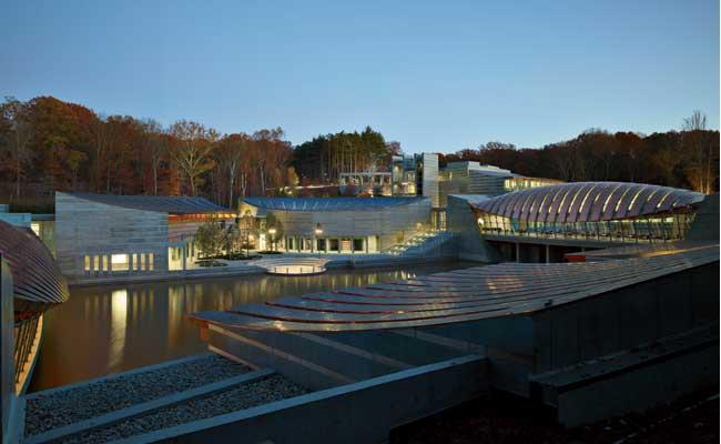 Crystal-Bridges-Museum-American-Art-650x400px.jpg