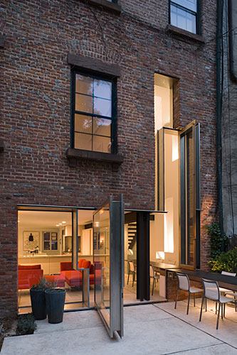 Operable Boundary Townhouse