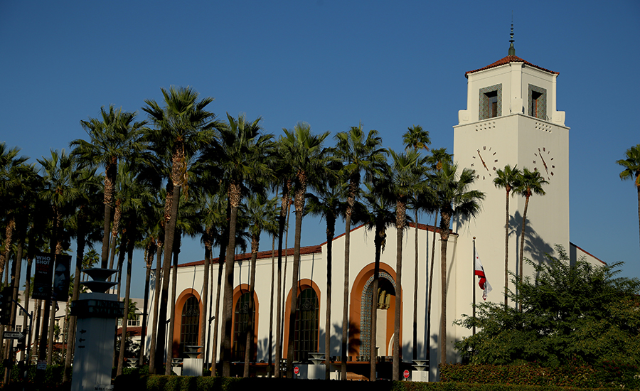 Review of 'Iconic Vision: John Parkinson, Architect of Los